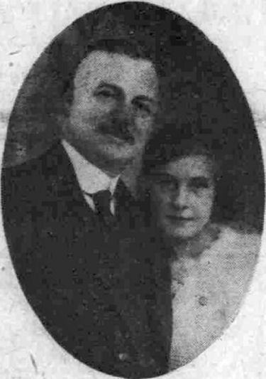 Councillor Bertram and niece Peggy 1926