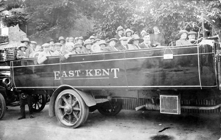 New Inn bus ride 1930
