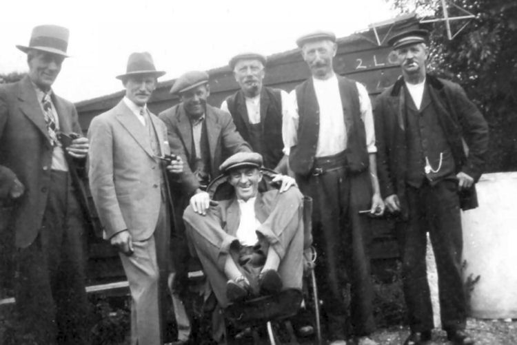 Hope Inn, Lydden, regulars circa 1930.