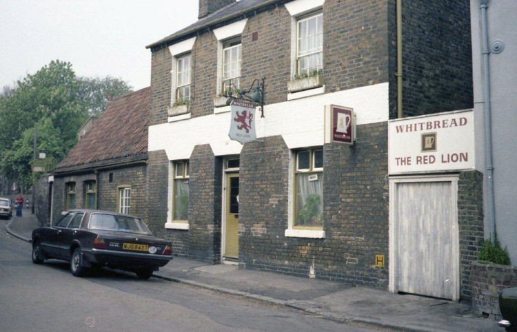 Red Lion 1980s