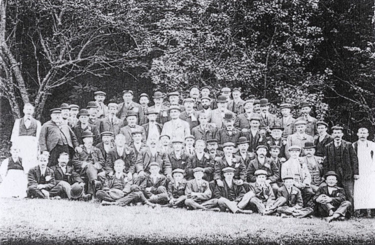 Thompson Brewery workers circa 1890