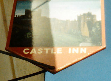 Sastle Inn sign 1986