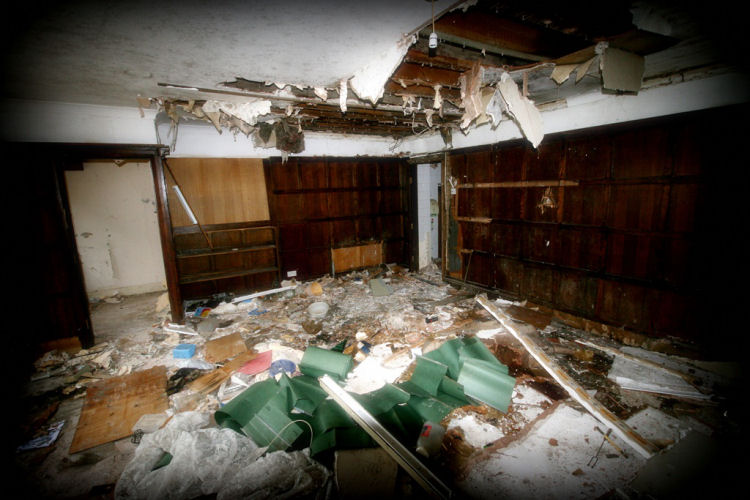 Chequers demolition inside room